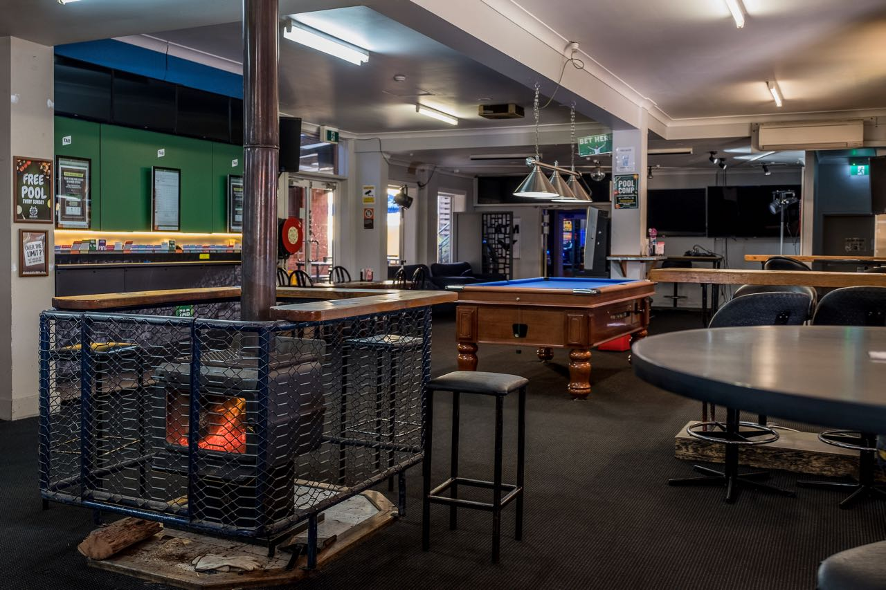 imperial-hotel-coonabarabran-NSW-pub-accommodation-sports-bar1